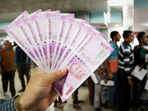 Fewer banks were running out of cash in NCR but most had only Rs 2,000 notes, no smaller change.