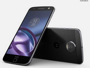 Moto Z, the first modular phone, with features such as protruding camera, extra battery and larger speakers that can be snapped on the phone