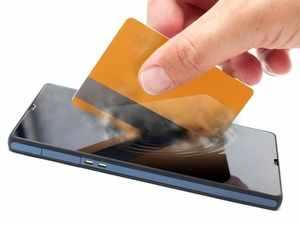 Phone carriers and banks have gained confidence in using mobile data for lending after seeing startups show preliminary success with the method in the past few years.
