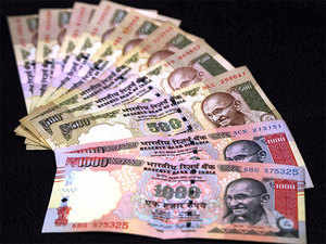 Police intercepted one car in which they found 462 new currency notes of Rs 2000 hidden under the seats which amounted to Rs 9.24 lakh.