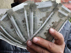 With some of his recent tweets against demonetisation causing embarrassment for the party, the actor-turned BJP leader claimed he was the first to congratulate the PM for the decision to demonetise high value bank notes.