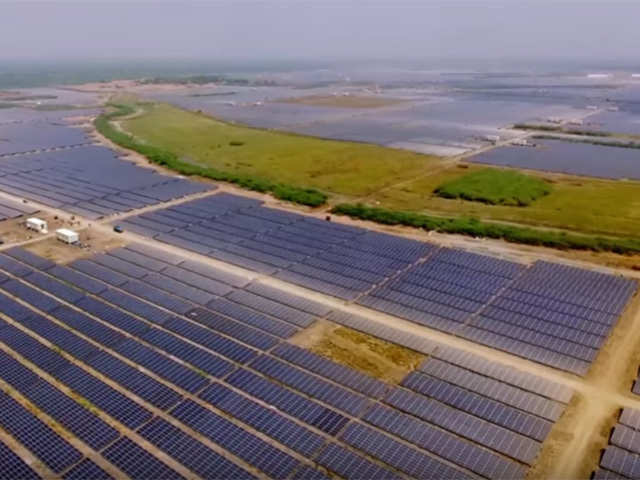 India owns world's largest solar power plant - Believe it or