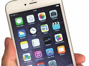 Industry executives aware of Apple's strategy said the co's sales last fiscal was driven largely by the older iPhone 5s.