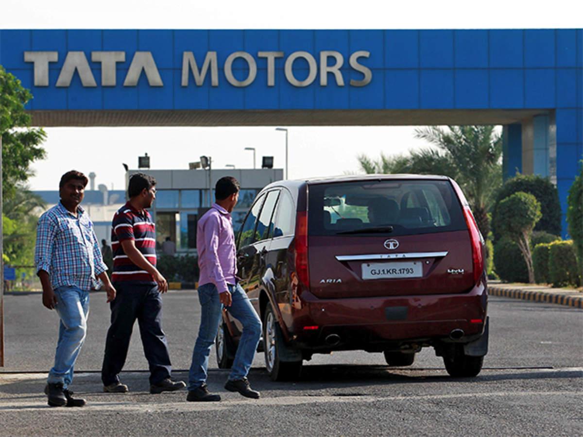Mahindra & Mahindra: Tata Motors surpasses Mahindra