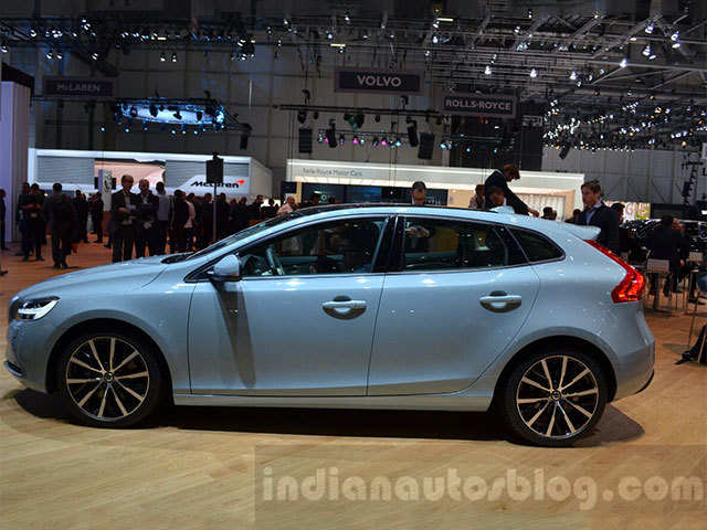 New Volvo V40 Launched At Rs 25 49 Lakhs Price The Economic Times