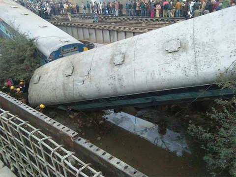 15 coaches derailed