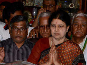 Party sources said Sasikala met general council members, district office-bearers, MPs, MLAs and functionaries at the levels of town, town panchayat and panchayat union.