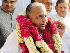 As Mulayam and Shivpal left for the national capital, Akhilesh met his loyalists at his 5-Kalidas Marg residence to collect their signed affidavits to be presented before the EC.