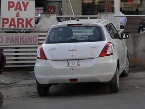 The court pointed out instances of the Queens' Necklace road, P D'Mello road in south Mumbai and roads in suburban Juhu where tourist vehicles are parked illegally.