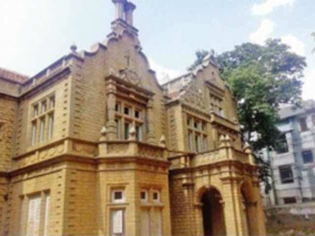 It was built in memory of  Purnaiya.