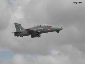 Indo-UK made new Hawk combat aircraft looks to take on China - The Economic  Times