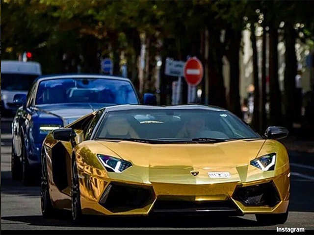It's a gold car