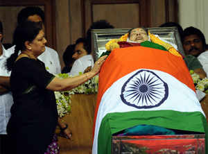 Jayalalithaa was suffering from infection that led to organ failure, clarifies doctor
