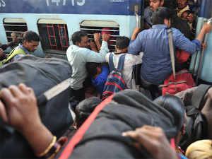 Automatic door locking system in Rajdhani, Shatabdi trains