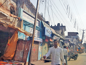 Traders in the Ayodhya market point out that a majority of Hindus will vote for the BJP this time.
