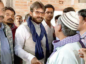 Abbas says even politically, it is important for him to reach out to the hindus of Ghosi, more than 65%.