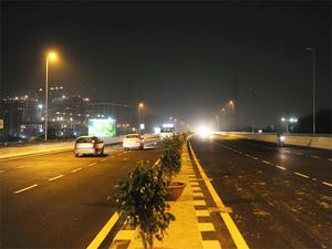 The NHAI has divided the project into two packages of 56.2 km (Bengaluru-Nidagatta) and 61.1 km (Nidagatta-Mysuru).