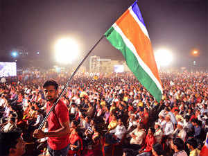The MNS demanded that since Marathi is the official language in the state, the electricity bills should be issued only in that language along with English and not in any other language.