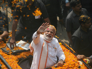 People turned out in large numbers as the prime minister's cavalcade moved at a snail's pace. 'Subah Banaras, sham Banaras; Modi tere naam Banaras' and 'Modi, Modi' slogans were raised by the supporters as he waved at them.