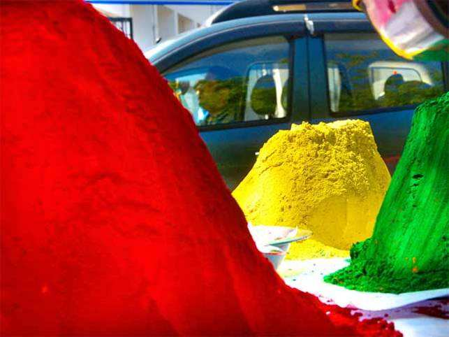 Raid your kitchen, garden or your granny's spice rack to celebrate Holi organically.