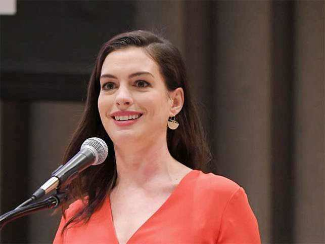 The actress took to the podium to address paid parental leave.
