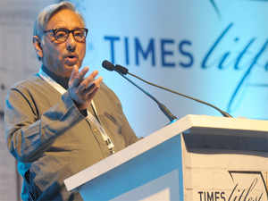 Aiyar called for forging fresh alliances to take on the BJP and strengthening the party by bringing in young leaders.