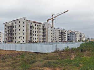 The developers are working to keep prices in the range of Rs 15 lakh to Rs 35 lakh, depending on the area and size of the apartment.