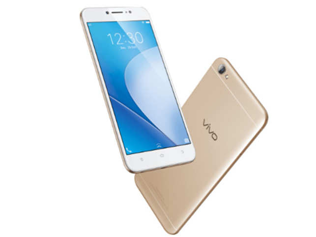 At a price of Rs 14,990, Vivo's latest offering seems to be ticking all the right boxes.