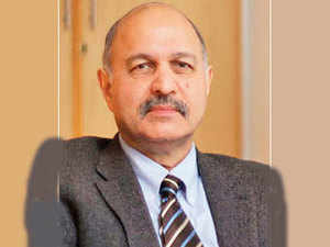 When Pakistan was a member of US-backed military pacts and gave bases to the Americans during the Cold War, we took decisions independently as any sovereign country should, says Mushahid Husain.