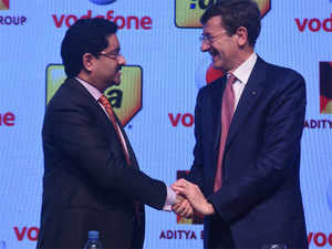 The deal will create India's largest mobile phone company with about 400 million customers, 35% customer market share and 41% revenue market share.