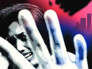The incident took place on Holi when some local youths, in an inebriated state, barged into a house in Kalyanpur area here and started molesting a woman and her daughter.