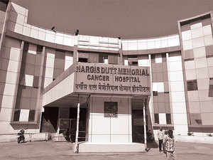 In a project lead at the Nargis Dutt Memorial Cancer Hospital in Barshi in Maharashtra's Solapur district, doctors screen over 100 women from neighbouring villages for signs of cervical and breast cancer.