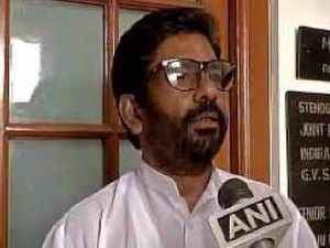 Ravindra Gaikwad, who assaulted an AI staffer in Delhi last week, may have actually set the balls rolling for creating India's first 'no-fly list'.