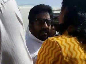 It remains to be seen how the airlines will respond to the counter attack by Ravindra Gaikwad's party the Shiv Sena, which has trade unions of airport and airlines staff in Mumbai.