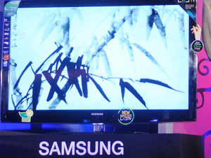 Samsung Electronics Lg Samsung Sony Cut Tv Prices By 15 To Take