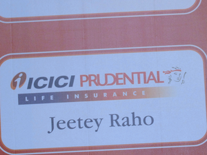 Shares of ICICI Prudential was down 0.86% from previous close to Rs 371 on the Bombay Stock Exchange.