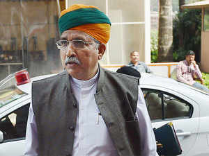 Minister of State for Finance Arjun Ram Meghwal said ineligible persons queuing up at the Reserve Bank of India were responsible for longer queues.
