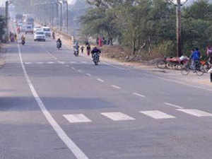 The second project is for four-laning of Yavatmal to Wardha section of NH-361 from Km 400.575 to Km 465.500 at a project cost of Rs 1,043.28 crore.