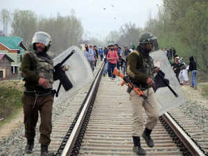 Virendra Gupta asked Kashmiri leaders to use their influence in keeping youths away from areas where security forces and terrorists engage in encounters.