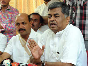 """Hariprasad said it was up to the state disciplinary committee to recommend action and AICC to decide, but added, """"there can be no compromise on discipline. That (possible defection) can't be used as a bargain."""""""