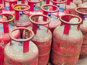 The government has mandated oil companies to add 10 crore new cooking gas customers between April 2016 and March 2019.