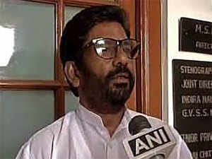 MP Gaikwad beat up an Air India ground staff on March 23, 2017, because he had to travel economy class in an all-economy aircraft.