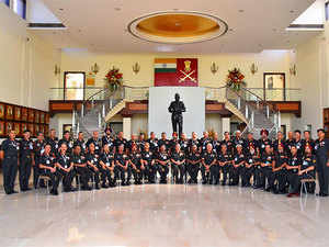 A session was held to discuss with the Defence Ministry on the need to create a wholesome action plan on administrative and modernisation issues.