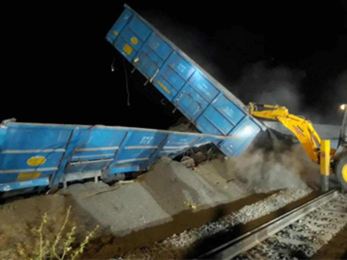 goods train derailed: Latest News & Videos, Photos about goods train