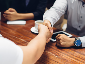 SMBs often depend on temporary or existing resources to carry out Human capital management (HCM) processes such as recruitment, learning and development and performance management.