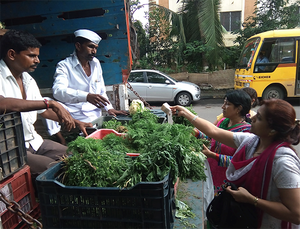 Among the first farmer market to be set up were those in Mumbai, the first being in the parking lot of Vidhan Bhavan within the government complex in south Mumbai.
