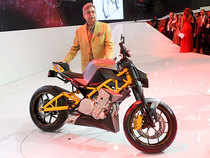 The company offered higher rebate of Rs 12,500 on its scooters, Rs 7,500 on premium bikes and Rs 5,000 on entry level mass market motorcycles.
