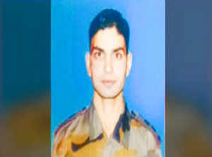 Kashmiri Army officer's bullet-riddled body found in Shopian