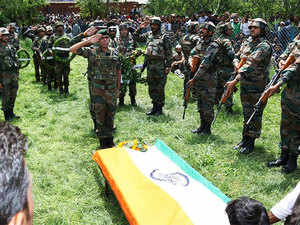 Army Solders pays tribute of Lieutenant Umer Fayaz,who was abducted and later killed by militants in Herman area of Shopian on Wednesday 10 May
