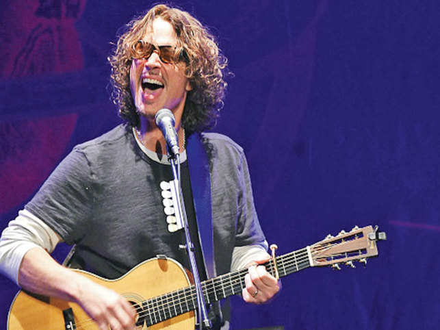 71d86a4b23945 Chris Cornell's death leaves Eddie Vedder as the last vocalist of ...